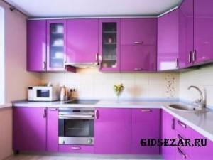 Кухни с пластиковыми фасадами: варианты и характеристики